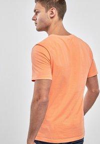 Next - Basic T-shirt - orange - 1