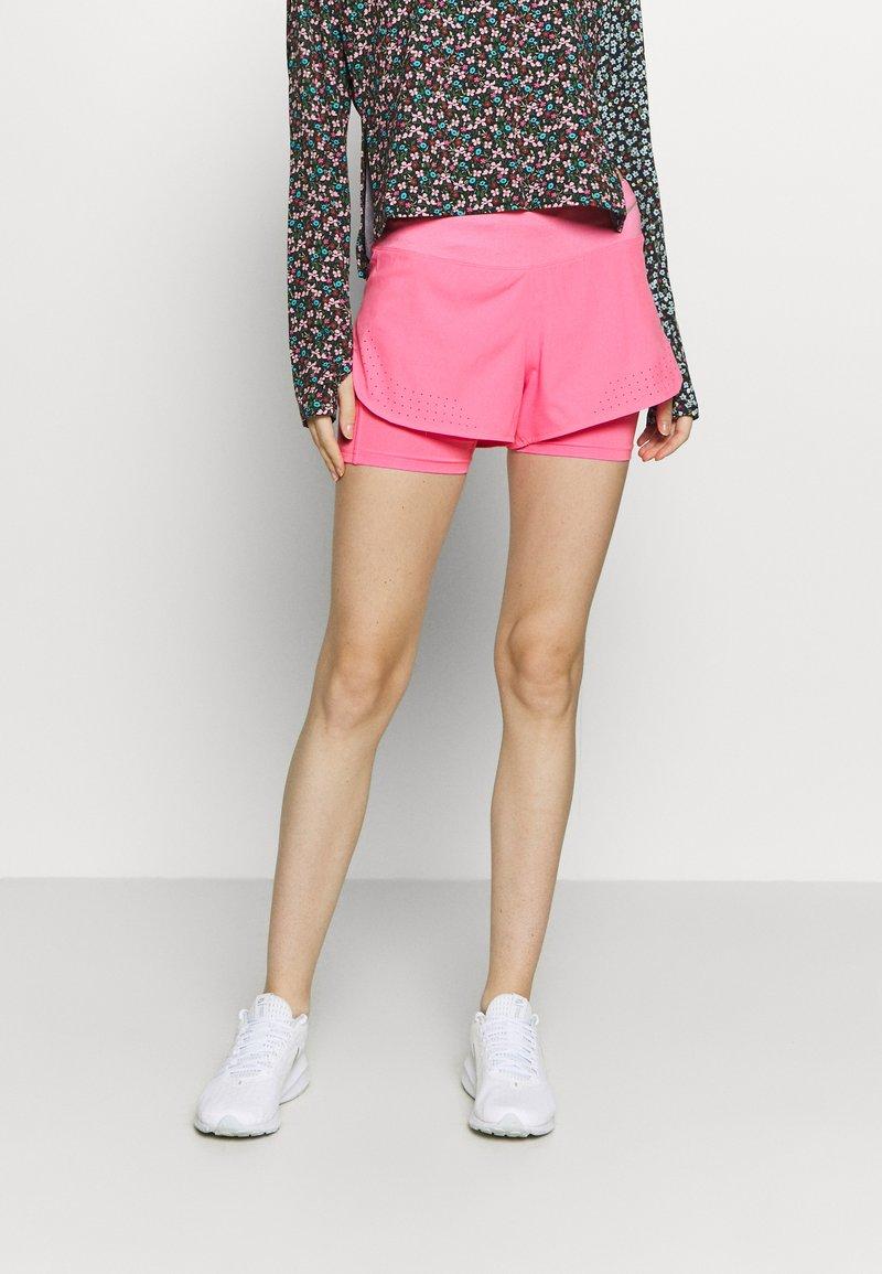 Nike Performance - ECLIPSE 2 IN 1 - kurze Sporthose - pink glow