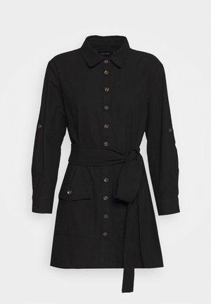 BELTED DRESS - Košilové šaty - black