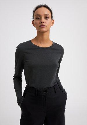 KOSMAA - Basic T-shirt - vintage green