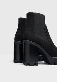 Bershka - Kotníková obuv na vysokém podpatku - black - 3