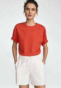 Massimo Dutti - MIT PATCH - Print T-shirt - red - 0