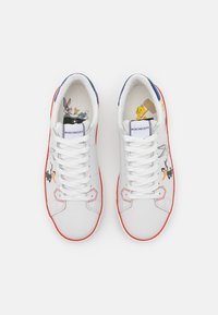 MOA - Master of Arts - FLIPS - Trainers - white - 4