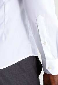 Eton - SUPER SLIM FIT - Camicia elegante - white - 4