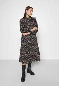Stella Nova - LOAN - Długa sukienka - black - 0