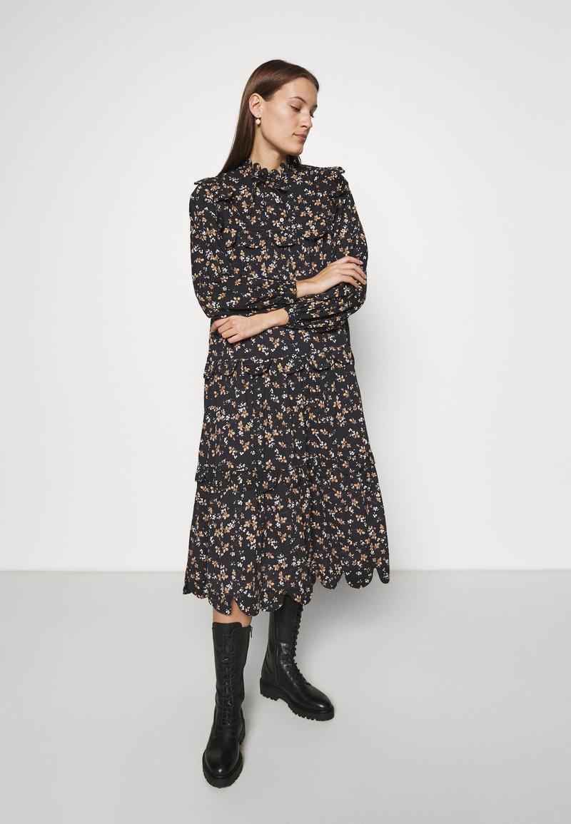 Stella Nova - LOAN - Długa sukienka - black