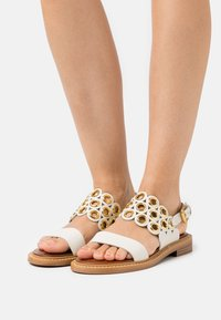 See by Chloé - STEFFI FLAT - Sandals - natural - 0