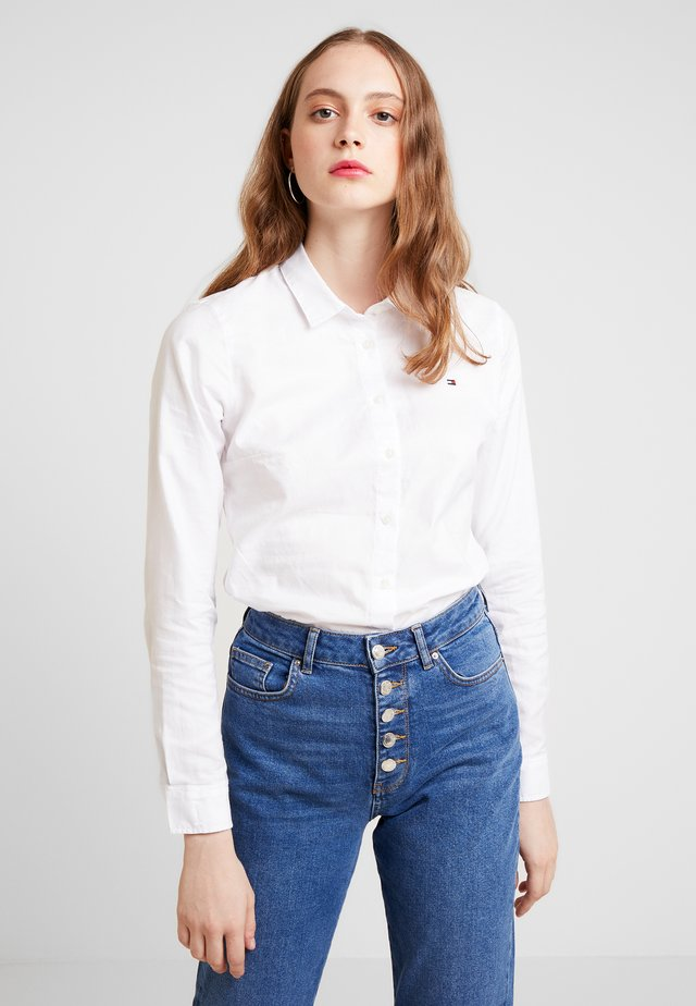 HERITAGE REGULAR FIT - Button-down blouse - classic white