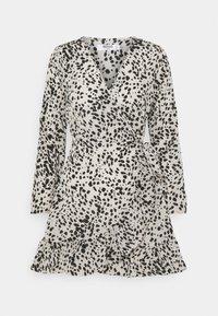 Missguided Petite - ANIMAL WRAP FRILL DETAIL SKATER DRESS - Denní šaty - cream - 0