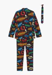 OppoSuits - BOYS BADABOOM SET - Suit - black/yellow/red - 1