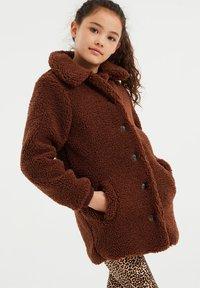 WE Fashion - TEDDY  - Winter coat - dark brown - 1