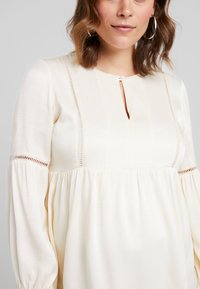IVY & OAK Maternity - TUNIC BLOUSE - Camicetta - white - 5