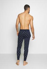Polo Ralph Lauren - PRINTED LIQUID  - Pyjama bottoms - cruise navy - 2