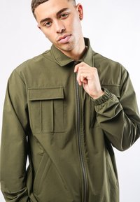 Ed Hardy - URBAN-TIGER NYLON POLY STRETCH SHACKET - Summer jacket - khaki - 2