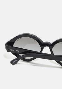 VOGUE Eyewear - NEW YORK - Sunglasses - black - 2
