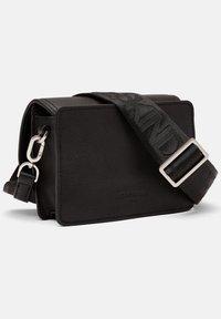 Liebeskind Berlin - JOAN - Across body bag - black - 1