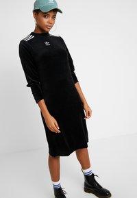 adidas Originals - Vapaa-ajan mekko - black - 4