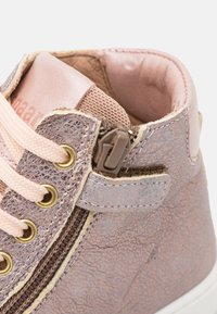 Bisgaard - GAIA - High-top trainers - stone - 5