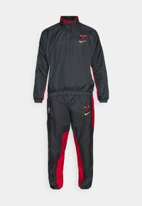 Nike Performance - NBA CHICAGO BULLS CITY EDITION TRACKSUIT SET - Equipación de clubes - anthracite/university red - 6