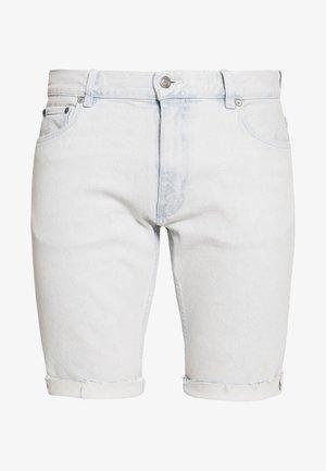 UNISEX LEWIS HAMILTON SLIM BLEACH WASH - Denim shorts - light-blue denim