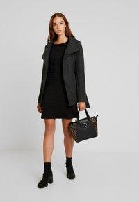 Vero Moda - VMBRUSHED MYRA JACKET  - Fleece jacket - dark grey melange - 1