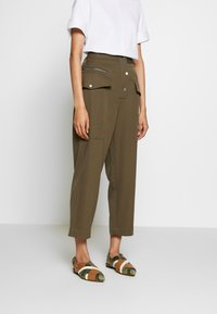 3.1 Phillip Lim - SNAP PANT - Spodnie materiałowe - fir green - 0