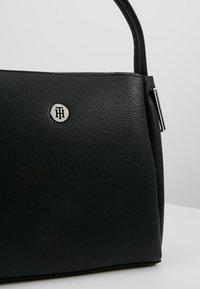 Tommy Hilfiger - CORE SHOULDER BAG - Handväska - black - 6