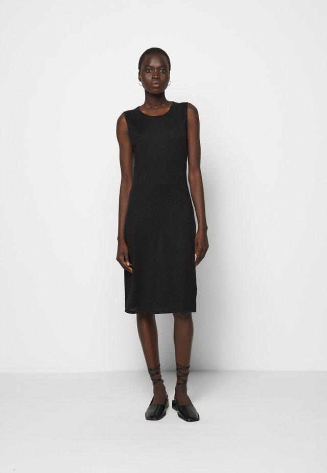 PATRICIA DRESS - Pouzdrové šaty - black