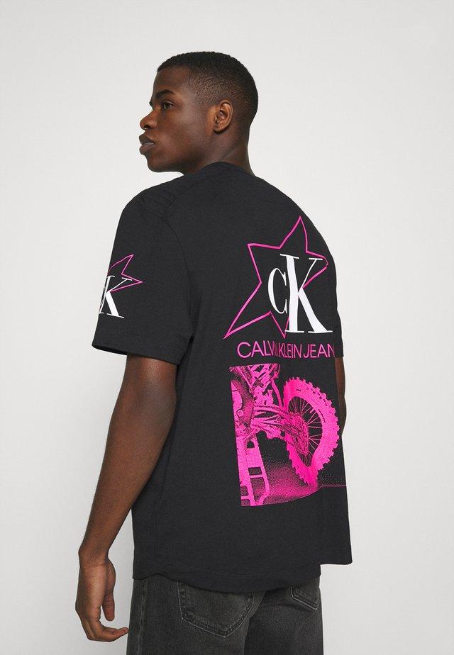 FASHION BIKER TEE - T-shirt con stampa - black