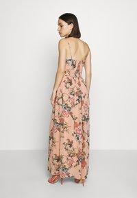 Vero Moda - VMSUNILLA DRESS - Długa sukienka - mahogany - 2