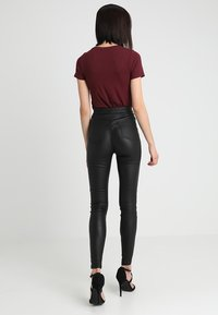 Missguided - VICE HIGH WAISTED  - Kalhoty - coated black - 2