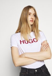 HUGO - THE SLIM TEE - T-Shirt print - multi coloured - 3