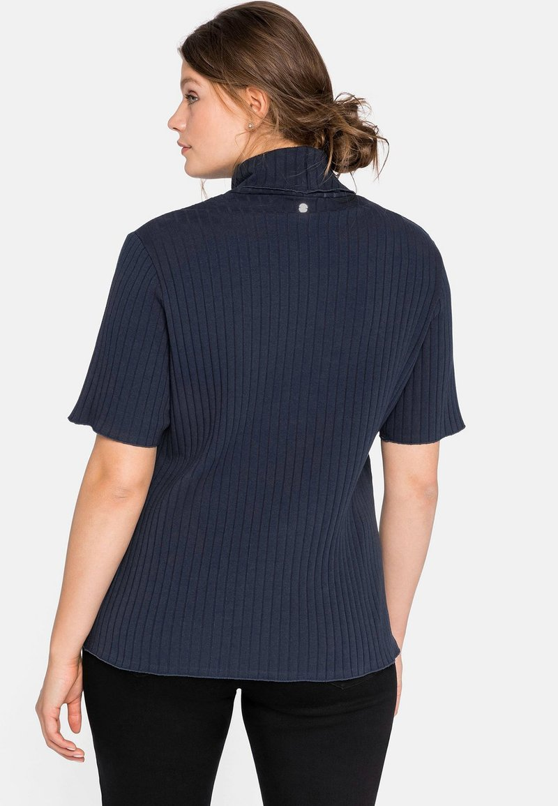 Sheego T-Shirt print - nachtblau/dunkelblau AzBsuU