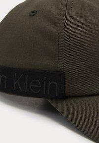 Calvin Klein - NASTRO LOGO - Kšiltovka - green - 2