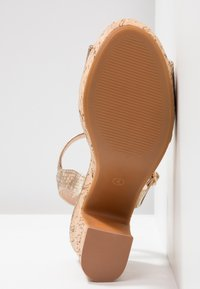 Dorothy Perkins - RHONDA WEDGE - High heeled sandals - gold - 6