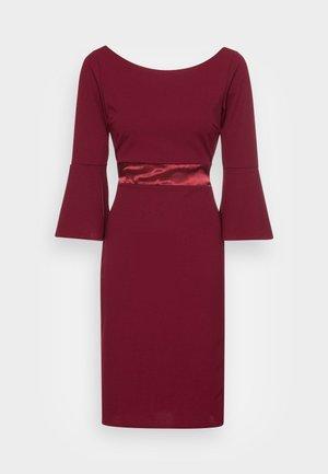 VINNIE FLARE SLEEVE MIDI DRESS - Jersey dress - wine
