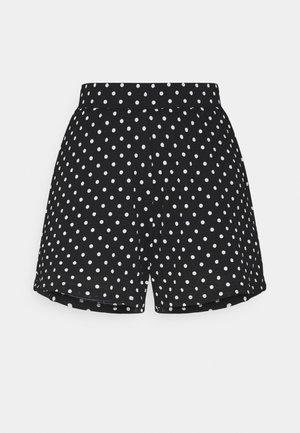 ONLPELLA - Shorts - black/cloud dancer