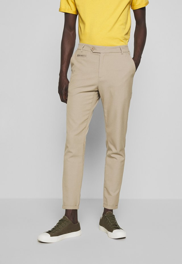 COMO LIGHT SUIT PANTS - Pantalones - light brown insence