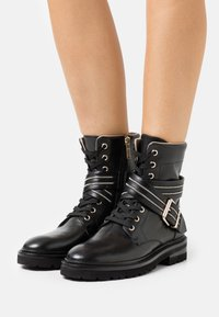 Steffen Schraut - Lace-up ankle boots - black - 0