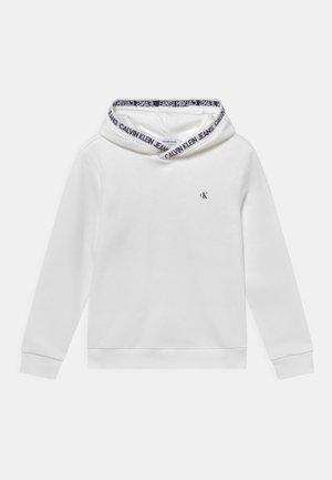 INTARSIA LOGO HOODIE UNISEX - Sweatshirt - bright white