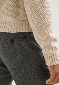 Massimo Dutti - LIMITED EDITI - Trousers - light grey - 2