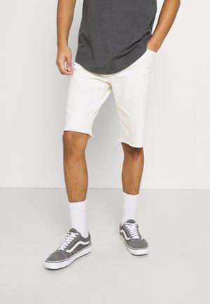 CUT OFF - Short en jean - off white