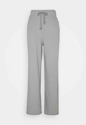 ALL YOU NEED PANTS - Pantalones deportivos - gray
