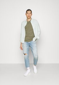 Levi's® - BATTERY SLIM - Shirt - greys - 1