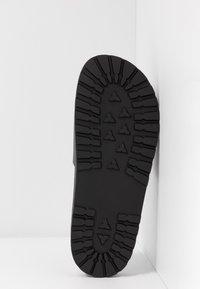Versace Jeans Couture - Ciabattine - nero - 6