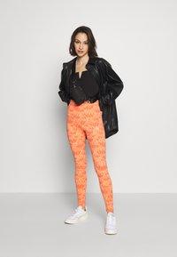 adidas Originals - TIGHT - Leggings - Trousers - chalk coral - 1