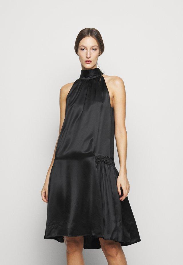 SMOCKED HIP DRESS - Robe de soirée - black