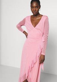 Résumé - NADIA DRESS - Koktejlové šaty/ šaty na párty - pastel pink - 3