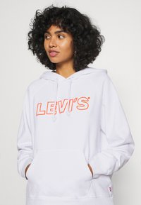 Levi's® - GRAPHIC SPORT HOODIE - Hættetrøjer - neon varsity / white - 4