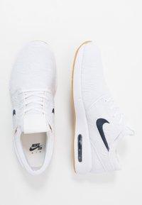 Nike SB - JANOSKI MAX - Sneakers - white/obsidian/celestial gold/light brown - 1